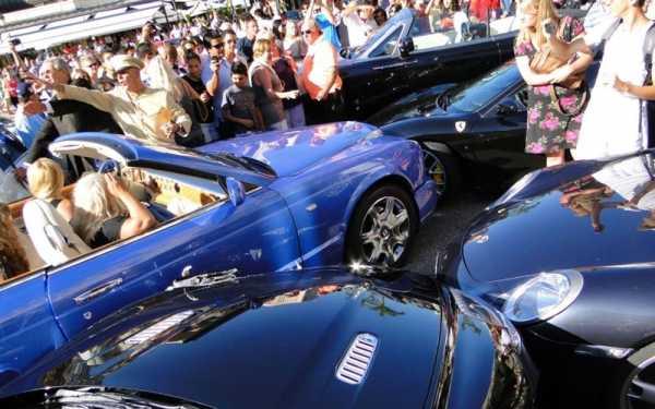 Benz porsche которые ри протаранила авария произошла возле входа казино играть в игровые автоматы казино вулкан бесплатно без регистрации